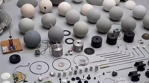 图赏 设计师使用3D打印制作的月球灯