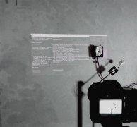 艺术家设计3D打印耳朵装置来深入地了解整个物理世界