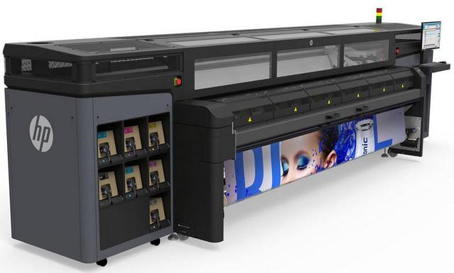惠普Latex 1500 生产型大幅面打印机-惠普3D打印技术 优化传统2D打图片