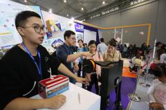 四川理工学生研发平价3D打印机 9个月创收70余万营业额