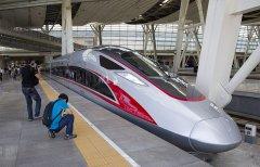 """3D扫描技术助力""""复兴号""""列车车头和车窗检测工作"""