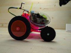 智能3D打印机器人Plantoids载着植物去生长条件好的地方