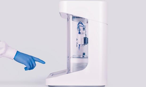 如图所示,Cellink 3D生物打印机大小不足一台宾馆迷你冰箱