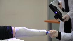 <b>3D打印技术帮助叙利亚残疾儿童重新站立,难民就医不再坎坷</b>