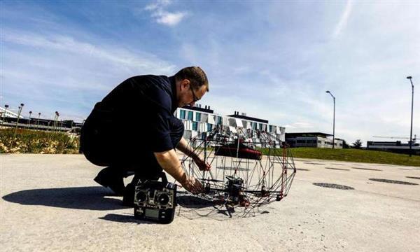 ca88会员登录,ca88亚洲城官网会员登录,ca88亚洲城,ca88亚洲城官网_瑞士研究员利用ca88会员登录技术开发创新的折纸无人机