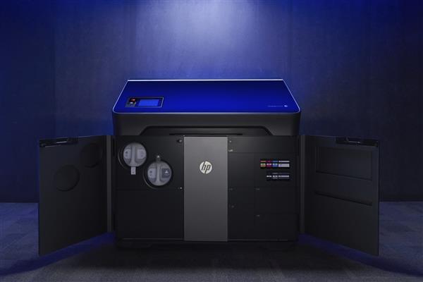 新的HP彩色3D打印机系列:Jet Fusion 300/500