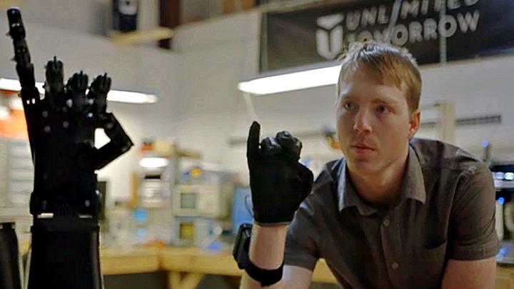 少年创立的3D打印假肢创业公司吸引巨头们关注