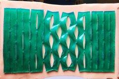 <b>MIT工程师使用3D打印开发新型绷带,关节受伤贴上很舒服</b>