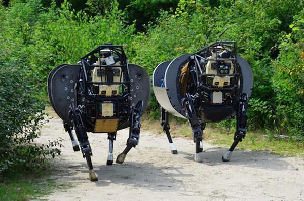 现在的军用机器人,Credit:Boston Dynamics