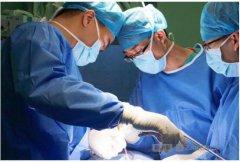 首例3D打印仿生人工椎体术在穗成功实施