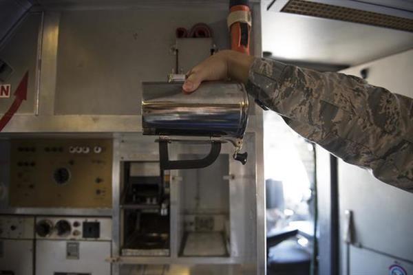 美国空军将3D打印咖啡杯手柄,每个杯子节省1210美元