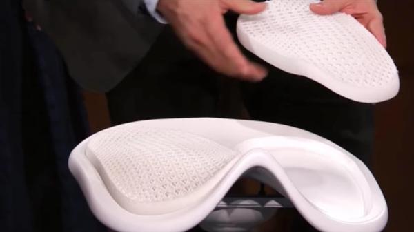 宜家正在使用3D打印为游戏玩家设计符合人体工程学的椅子Ubik