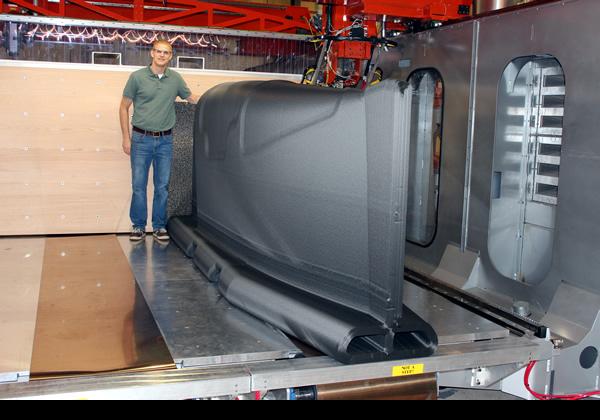 波音与Thermwood合作为波音777X生产大型3D打印单件工具