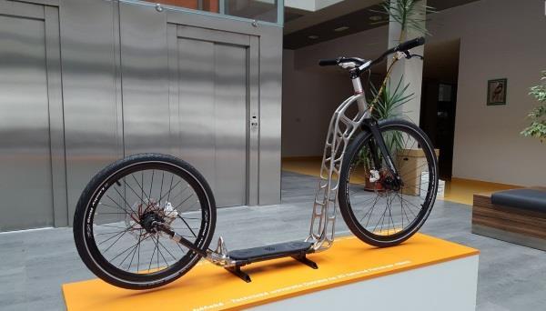 第一款仿生3D打印滑板车,捷克大学团队与雷尼绍合作开发