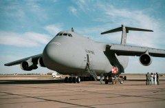 美国空军在C-5超级运输机上安装多个增材制造部件
