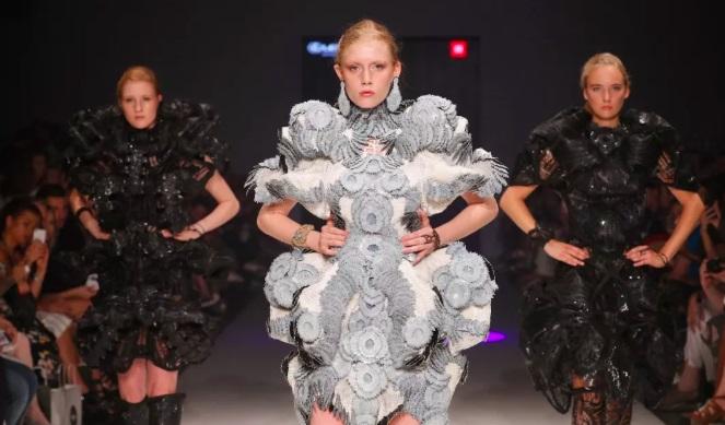 从高级时装到定制运动鞋:3D打印是否会打乱时尚界?