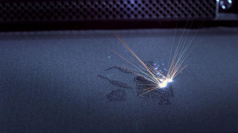 EOS 3D打印机上激光粉末床熔合(LPBF)添加剂制造工艺的一个例子